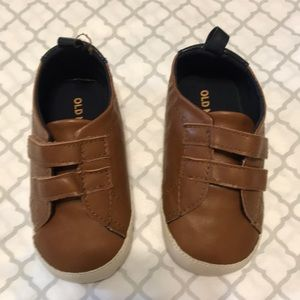 Old Navy 18-24 months soft-bottom dress shoes